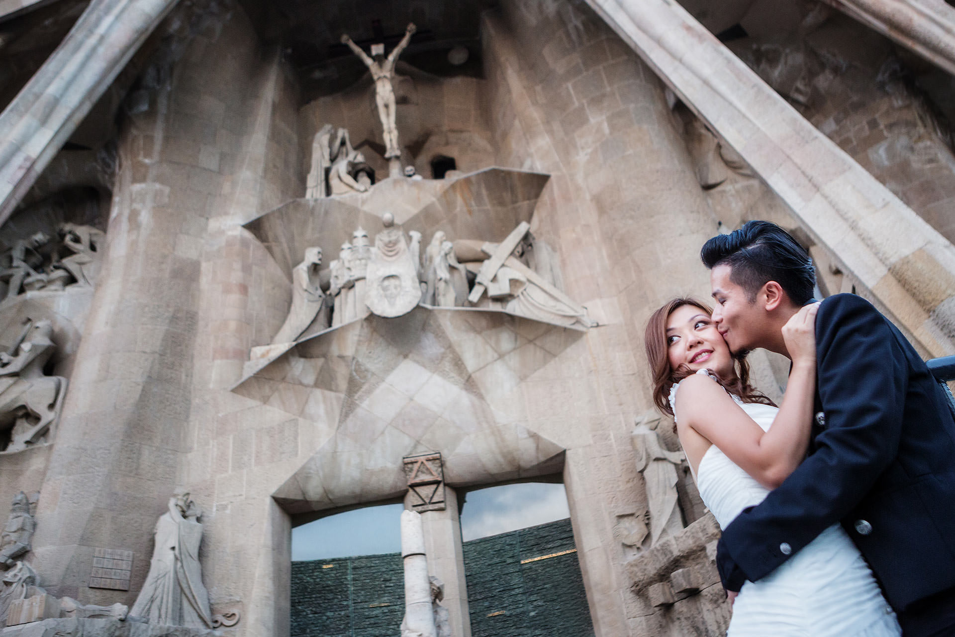 barcelona sagrada familia photographer prewedding